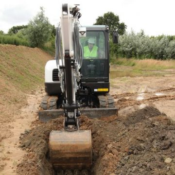 Bobcat-Excavator-E62-Bucket-Construction-IMG_0515-130627.JPG_Interflow-JPG-Fit-to-Box_600_500_true